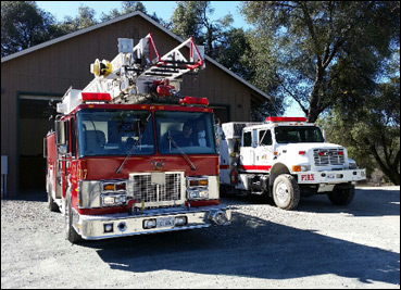 Truck 817 (Quint with 75' stick) and  Engine 813 (Type 3)